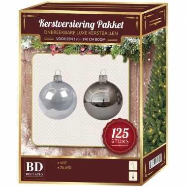 Kerstboom 125x kerstballen mix zilver en wit kunststof - 180 cm boom versiering
