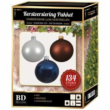 Kerstboom 134 stuks kerstballen mix wit-bruin-donkerblauw voor 180 cm boom versiering