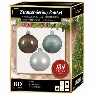 Kerstboom 134 stuks kerstballen mix wit-mint-bruin voor 180 cm boom versiering