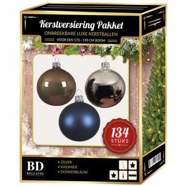 Kerstboom 134 stuks kerstballen mix zilver-blauw-bruin voor 180 cm boom versiering