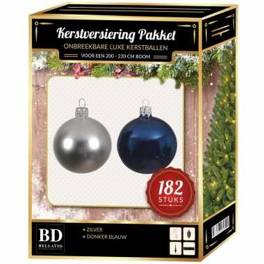 Kerstboom 182 stuks kerstballen mix zilver-donkerblauw voor 210 cm boom versiering