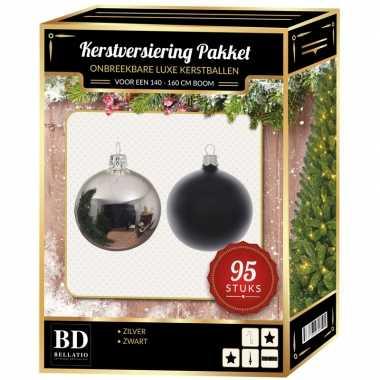 Kerstboom 95 stuks kerstballen mix zilver-zwart voor 150 cm boom versiering