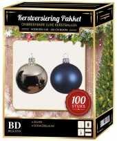 Kerstboom 100 stuks kerstballen mix zilver donkerblauw voor 150 cm boom versiering
