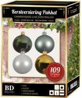 Kerstboom 109x kerstballen mix wit mint goud groen voor 150 cm boom versiering