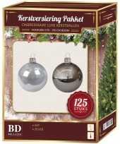 Kerstboom 125x kerstballen mix zilver en wit kunststof 180 cm boom versiering