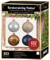 Kerstboom 132 stuks kerstballen mix wit beige donkerblauw voor 180 cm boom versiering