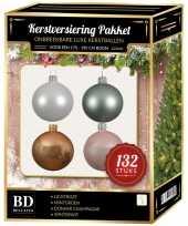 Kerstboom 132 stuks kerstballen mix wit beige mint roze voor 180 cm boom versiering