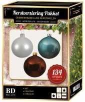 Kerstboom 134 stuks kerstballen mix wit ijsblauw bruin voor 180 cm boom versiering
