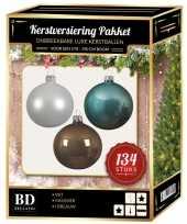 Kerstboom 134 stuks kerstballen mix wit ijsblauw kasjmier voor 180 cm boom versiering