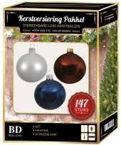 Kerstboom 147 stuks kerstballen mix wit bruin donkerblauw voor 180 cm boom versiering