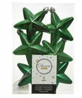 Kerstboom 6x kerstgroene kunststof sterren kerstballen kersthangers 7 cm versiering