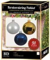 Kerstboom 91 stuks kerstballen mix wit goud donkerblauw voor 150 cm boom versiering
