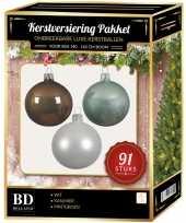 Kerstboom 91 stuks kerstballen mix wit mintgroen kasjmier voor 150 cm boom versiering