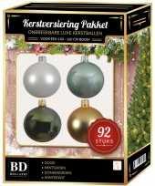 Kerstboom 92 stuks kerstballen mix wit goud groen mint voor 150 cm boom versiering