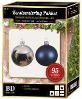 Kerstboom 95 stuks kerstballen mix zilver donkerblauw voor 150 cm boom versiering